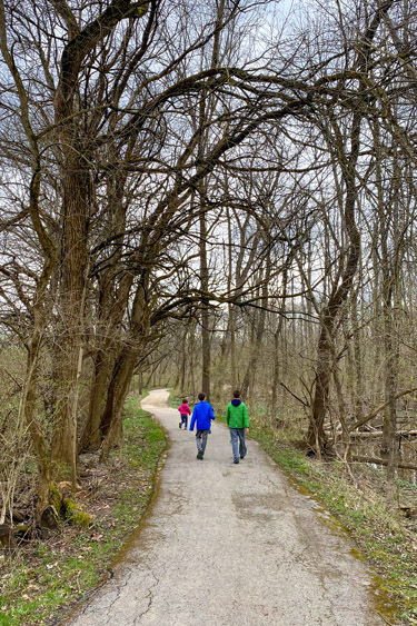 Hiking at Creekside Nature Park in Zionsville Indiana